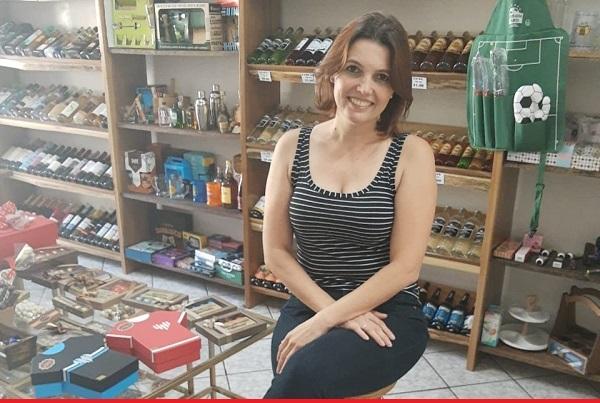 Conheça Silvana Forcelini, a nova proprietária da Cachaçaria & Discreta Sexy Shop