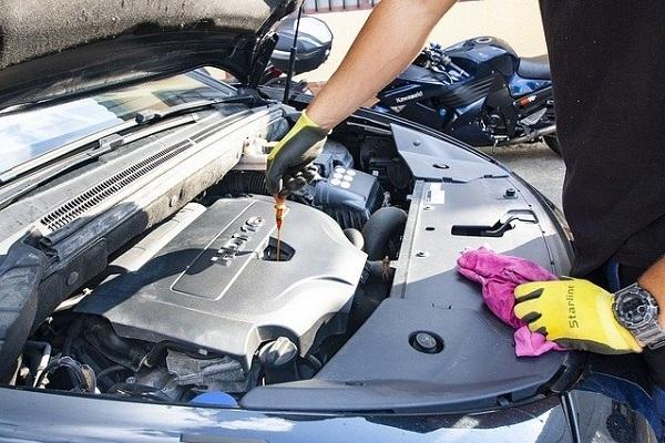 É importante substituir o óleo do motor?