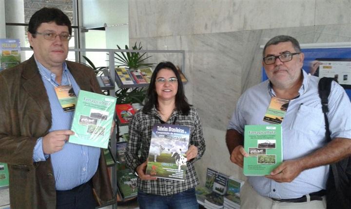 Editora UFV participa do X SIMCORTE
