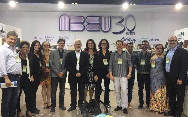 Fim de semana da ABEU na Bienal do Rio teve lançamentos e momentos especiais