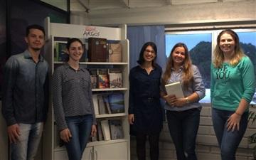 Raquel Campos visita a Editora Argos