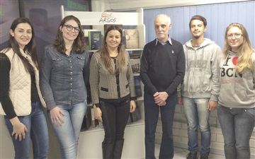 Roberto Acízelo de Souza visita a Editora Argos